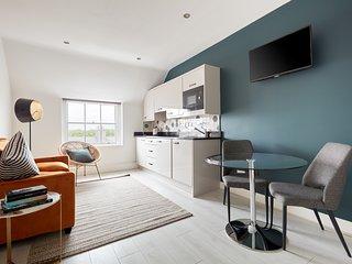 Sonder | Dublin Central Suites | Vibrant 1BR