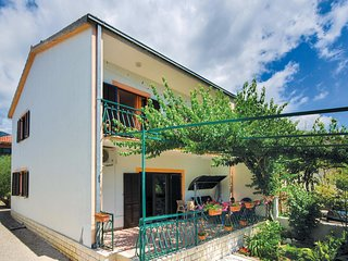 Awesome home in Kastel Stari w/ WiFi and 3 Bedrooms