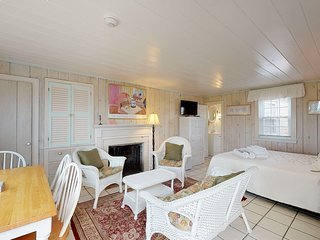 NEW LISTING! Comfortable, oceanfront cottage w/fireplace & easy beach access