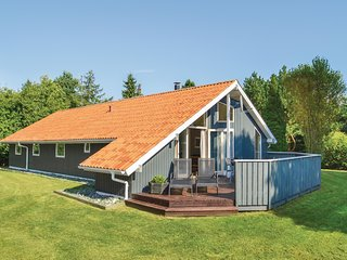 Beautiful home in Vaeggerlose w/ Sauna, WiFi and 4 Bedrooms (K15338)