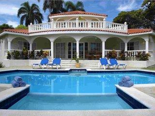 Dominican Dream Crown Villa Resort