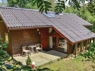 Awesome home in Vejby w/ Jacuzzi, WiFi and 2 Bedrooms