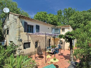 Beautiful home in Boulbon w/ Outdoor swimming pool, WiFi and Outdoor swimming po