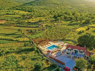 Amazing home in Ljubitovica w/ WiFi, 2 Bedrooms and Outdoor swimming pool