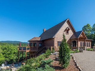 Hidden Vista Lodge | hot tub | game room | views!