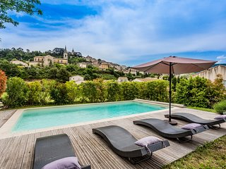 JDV Holidays - Villa St Paulane, Luberon, private, heated pool, walk to village