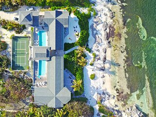 Amoraflora: Oceanfront Micro-Resort Villa with 80' Pool + Pickle-Ball Court in