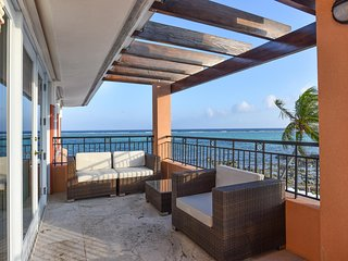 Pease Bay House by Grand Cayman Villas & Condos
