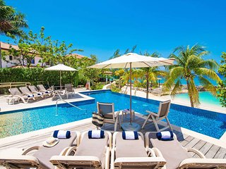 Casa Luna Villa #4: Gated Luxury Resort Near Seven Mile Beach w/Barefoot Beach