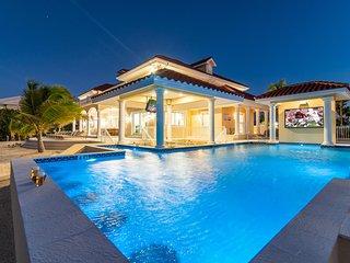 Villa Del Mare by Grand Cayman Villas & Condos