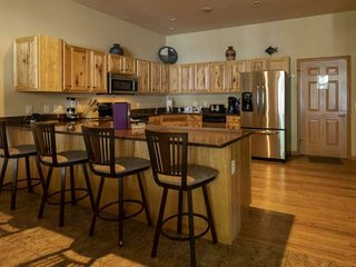 Beautiful Castle Rock Lake Views~2 King beds~Private Balcony in Master~Fireplace