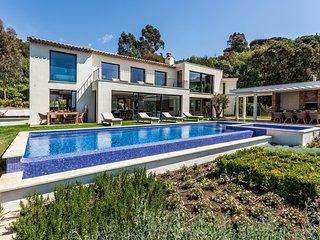 Villa Colibri in La Croix-Valmer Near Saint-Tropez