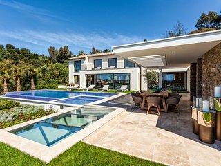 Stunning 5-bedroom Villa Colibri in La Croix-Valmer near St. Tropez