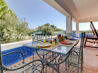 Benagil Villa Sleeps 6 with WiFi - 5812844