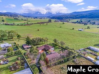 Grand View Deluxe Home between Cradle Mountain and Launceston near Famous Caves