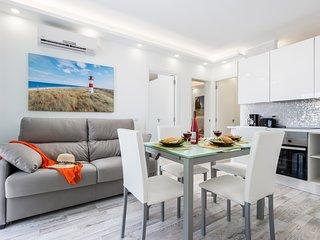 C104A.Brand new apartment, big terrace, pool!