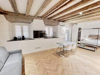 ♡TriesteVillas - Brand new studio w/ AC - Old Town