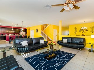 ⭐Few Miles to Disney - Affordable & Spacious 7 Bedrooms Villa w/ Private Pool⭐