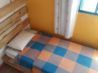 Alugo/rent quarto/bedroon