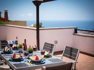 2.Charming Villa,Huge Terraces,Pool,Garden,SeaView