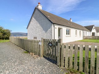 SUNSET COTTAGE, pet friendly, country holiday cottage, with a garden in Salen