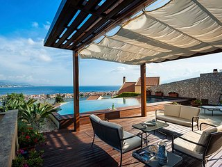 Messina Villa Sleeps 8 with Pool and Air Con - 5812906