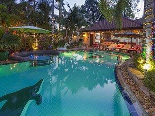 Relaxing Palm Pool Villa near Bang Lamung, Pattaya - countryside location