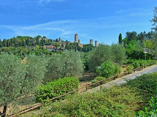 San Gimignano Apartment Sleeps 2 with Pool Air Con and WiFi - 5241952