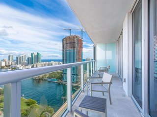Panoramic Views 1 bdr at Beach Walk 27th Floor