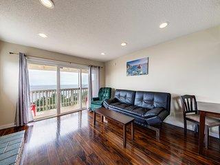 Oceanview, dog-friendly condo w/full kitchen, balcony, nearby beach access!