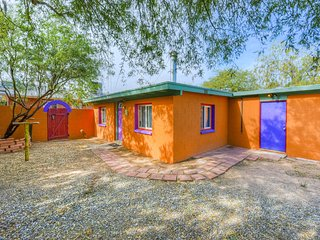 Cozy guesthouse right by University of Arizona & downtown attractions!