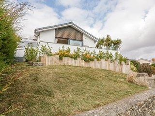 SEASCAPE (HOPE COVE), dog-friendly, sea view, garden/terrace, parking