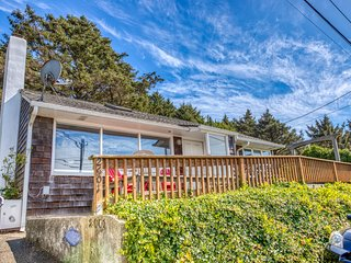 Dog-friendly oceanview home just two blocks to the beach, near town and hiking