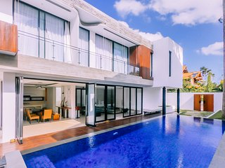 Berawa Beach Modern Style Living 4BR Family Villa Damar at Canggu