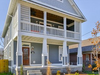 Brand New 3BR, 2.5BA Nashville Family House - 10 Minutes to  Downtown