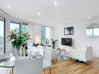 HIGH RISE APARTMENT IN ALDGATE WITH GREAT CITY VIEWS