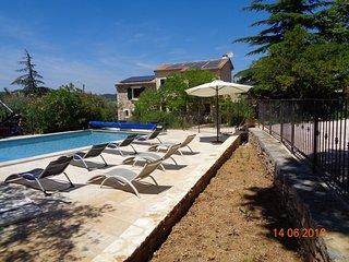 Le Colombier, une ancienne magnanerie pleine de charme, piscine privée-10 hôtes