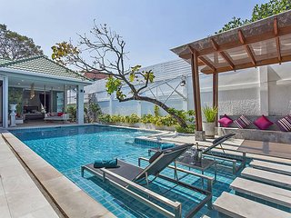 Chill & Chic Villa - 4 Bedroom Stylish & Modern Holiday Rental Pattaya Thailand