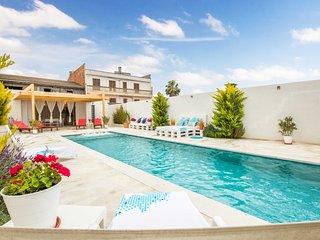 Lluna 4 - Modernes Dorfhaus mit Pool in Sant Joan