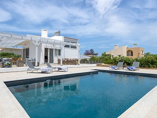 3 bedroom Villa with Pool, Air Con and WiFi - 5812952
