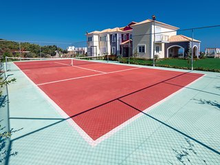 4 bedroom Villa with Pool, Air Con and WiFi - 5812954