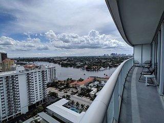 Modern Luxury Beach Hotel 2 Bedroom with Stunning Views + 3 Private Balconies