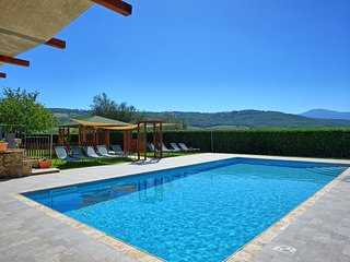San Quirico d'Orcia Villa Sleeps 18 with Pool Air Con and WiFi - 5241934