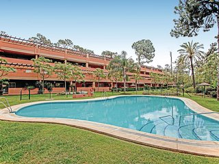 Stunning apartment in Marbella w/ Outdoor swimming pool, WiFi and 2 Bedrooms (EA