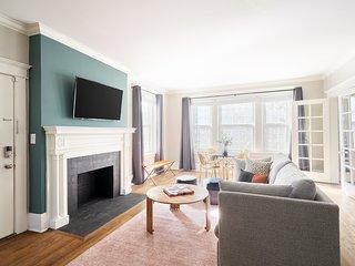 Sonder   Elliston Suites   Sunny 2BR + Sleep Sofa