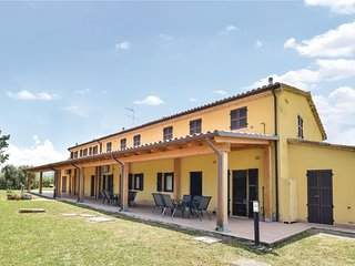Awesome apartment in Montefelcino w/ WiFi and 2 Bedrooms