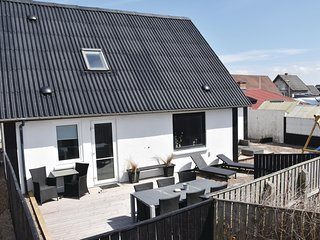 Beautiful home in Thyborøn w/ Sauna, WiFi and 4 Bedrooms (A5119)