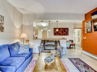 Homey condo w/ fireplace, flat screens, stereo & ski access!