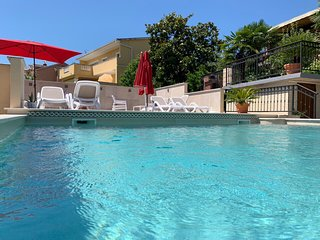 Grand Pool Apartment Opatija - Ika
