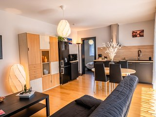 Appartement de Standing, calme, neuf, avec terrasse & foret proches commodites